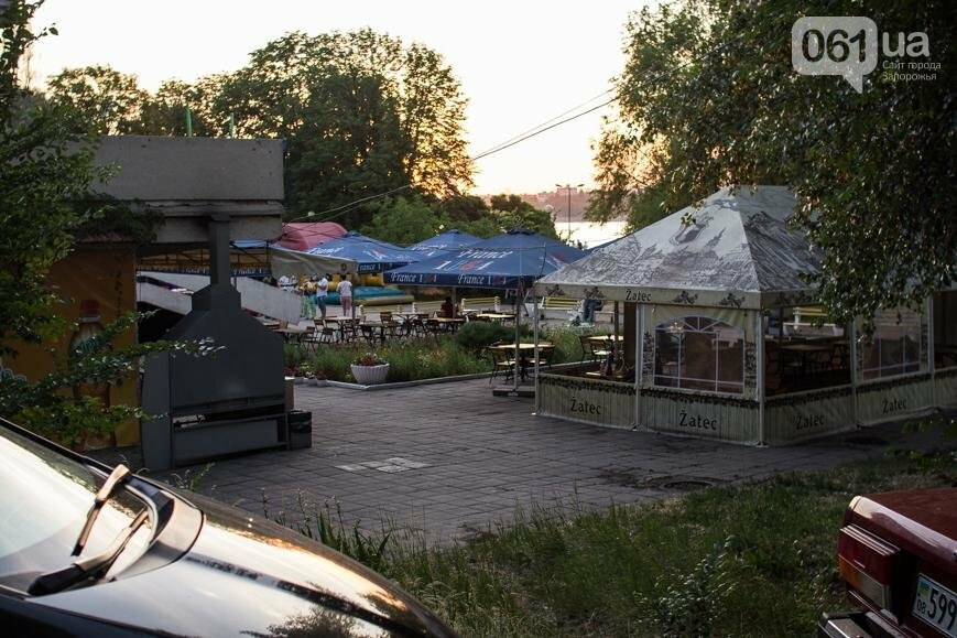 Ямы, разбитая плитка и переполненные урны: фотопрогулка возле речного порта и площади Запорожской, фото-41