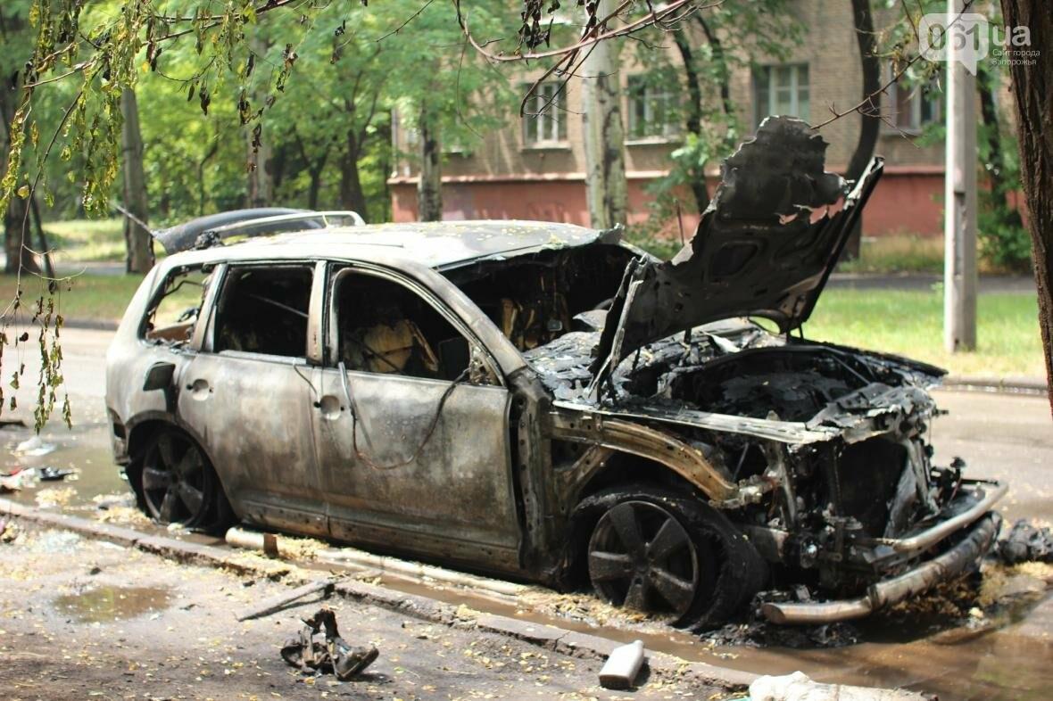В центре Запорожья сгорели Volkswagen и Audi, - ФОТО, ВИДЕО, фото-6