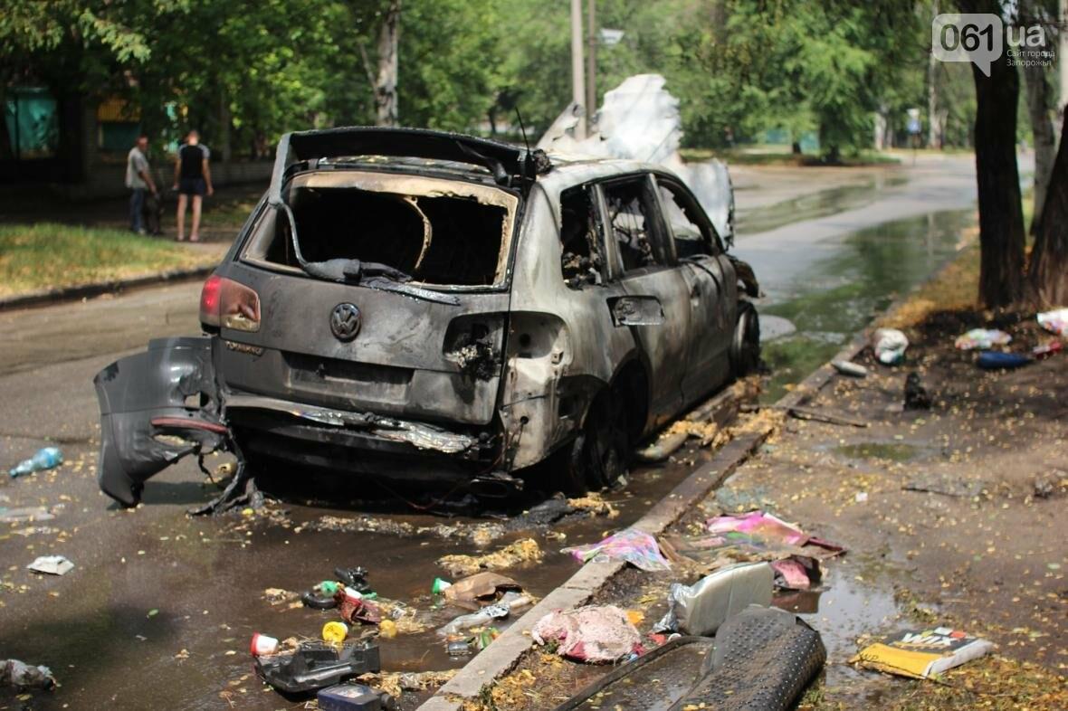 В центре Запорожья сгорели Volkswagen и Audi, - ФОТО, ВИДЕО, фото-5