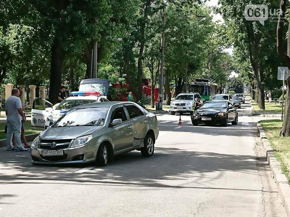 В центре Запорожья столкнулись иномарки: «Geely» потеряла колесо, - ФОТО, фото-3