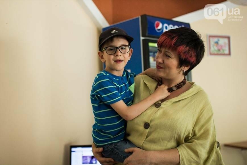 """""""Я больше не хочу просить - хочу помогать"""": как семья из Донецка открыла суши-студию в Запорожье, фото-1"""