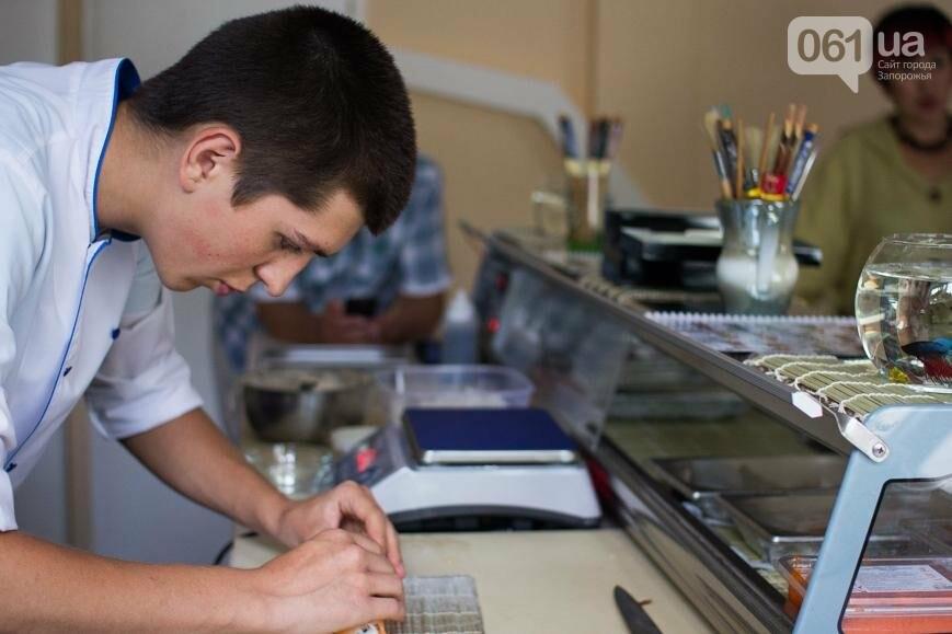 """""""Я больше не хочу просить - хочу помогать"""": как семья из Донецка открыла суши-студию в Запорожье, фото-10"""