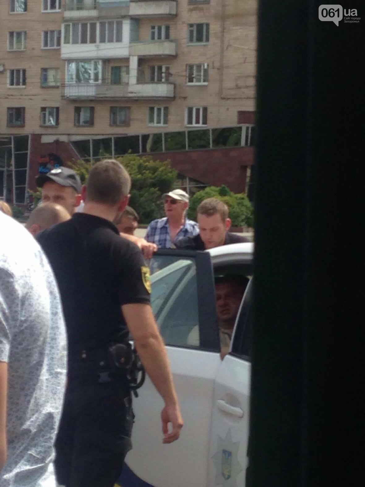 В центре Запорожья мужчина выстрелил женщине в живот, - ФОТО, фото-4