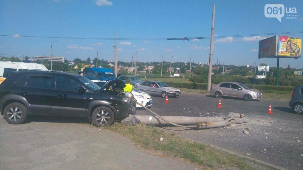 На Песках внедорожник на большой скорости снес столб, пострадала дочка водителя, - ФОТО , фото-4