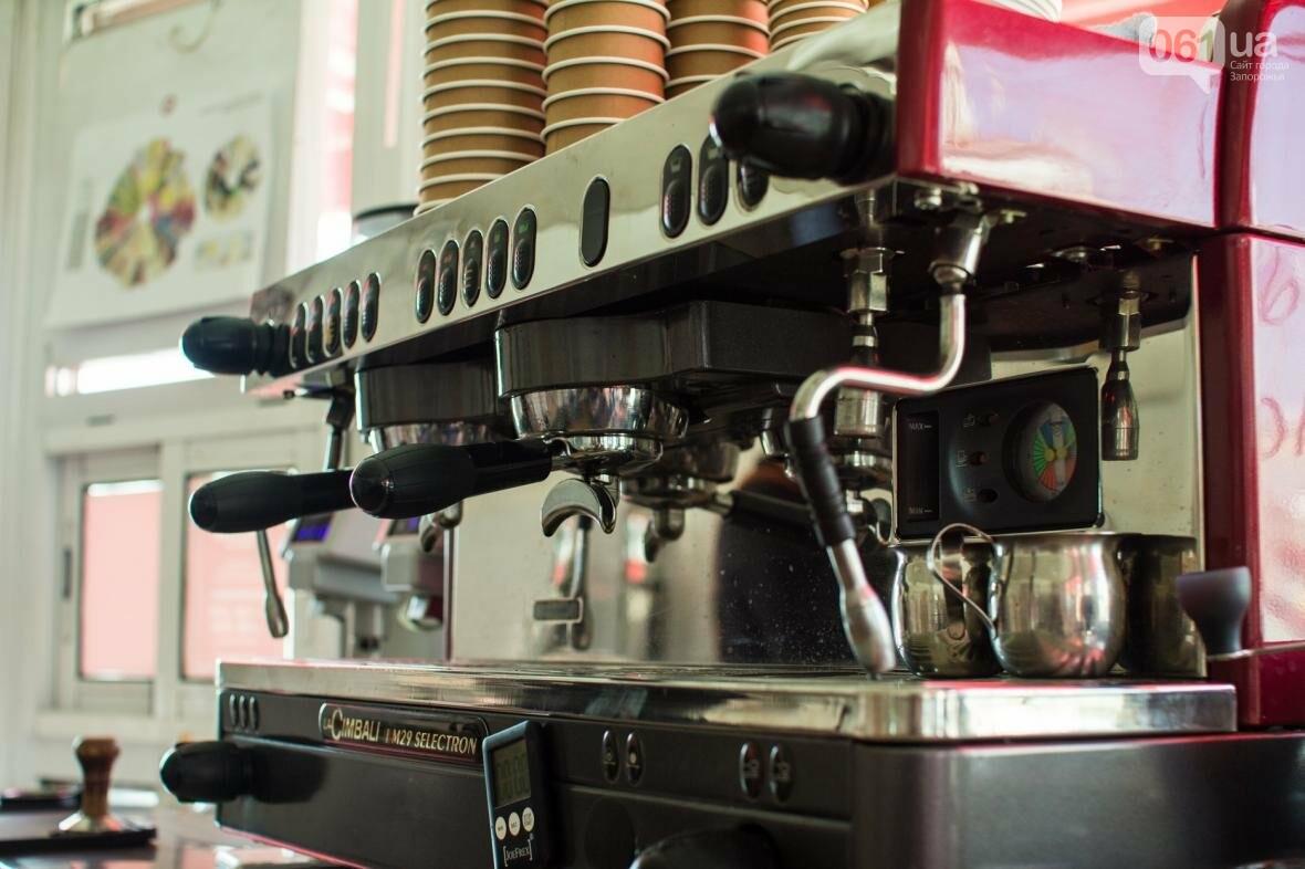 Как владелец «Jays Coffee» научил запорожцев брать кофе с собой: история Джама Рахими, фото-4