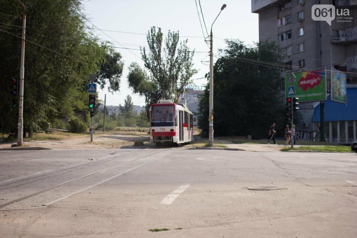 В Запорожье на рельсы вышел трамвай местной сборки, - ФОТО, ВИДЕО, фото-17