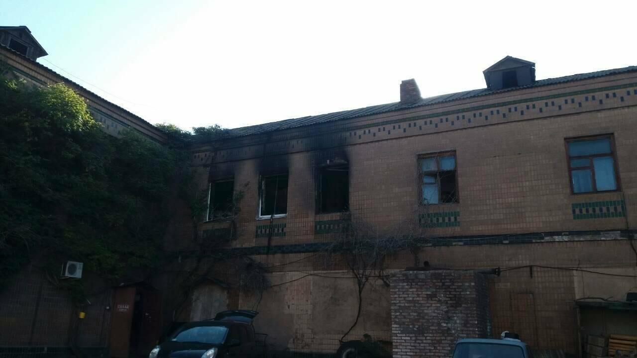 """""""На втором этаже были решетки - люди не могли выпрыгнуть"""": в Запорожье сгорели люди в хостеле возле рынка, - добавлено ФОТО, фото-1"""