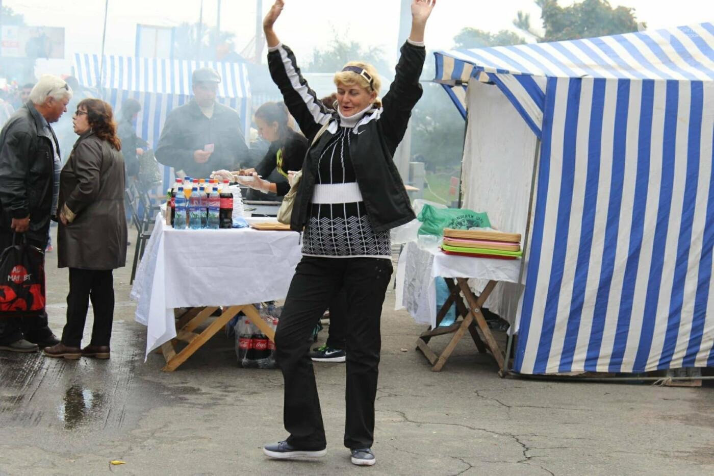 Водка, трусы и картошка: в Запорожье стартовала Покровская ярмарка, - ФОТОРЕПОРТАЖ, фото-2
