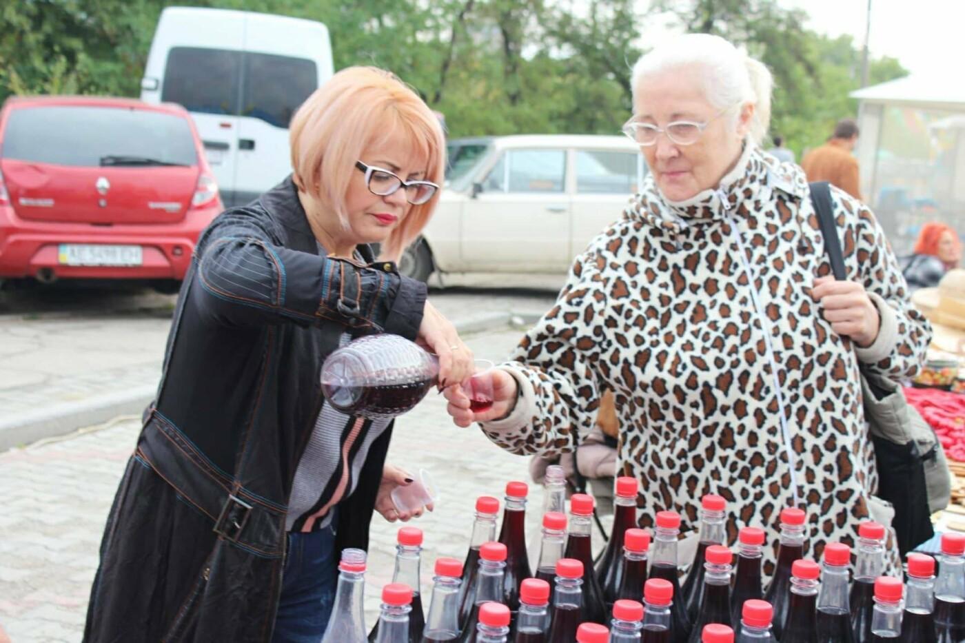 На Покровской ярмарке, несмотря на запрет, с самого утра продают алкоголь, - ФОТО, фото-4