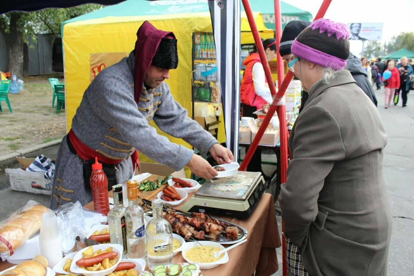 На Покровской ярмарке, несмотря на запрет, с самого утра продают алкоголь, - ФОТО, фото-9