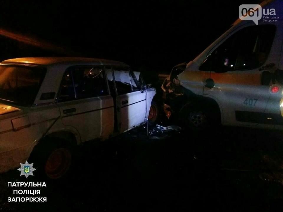 """В Запорожье ночью ВАЗ врезелся в """"скорую помощь"""": пострадали медики и водитель, - ФОТО , фото-2"""