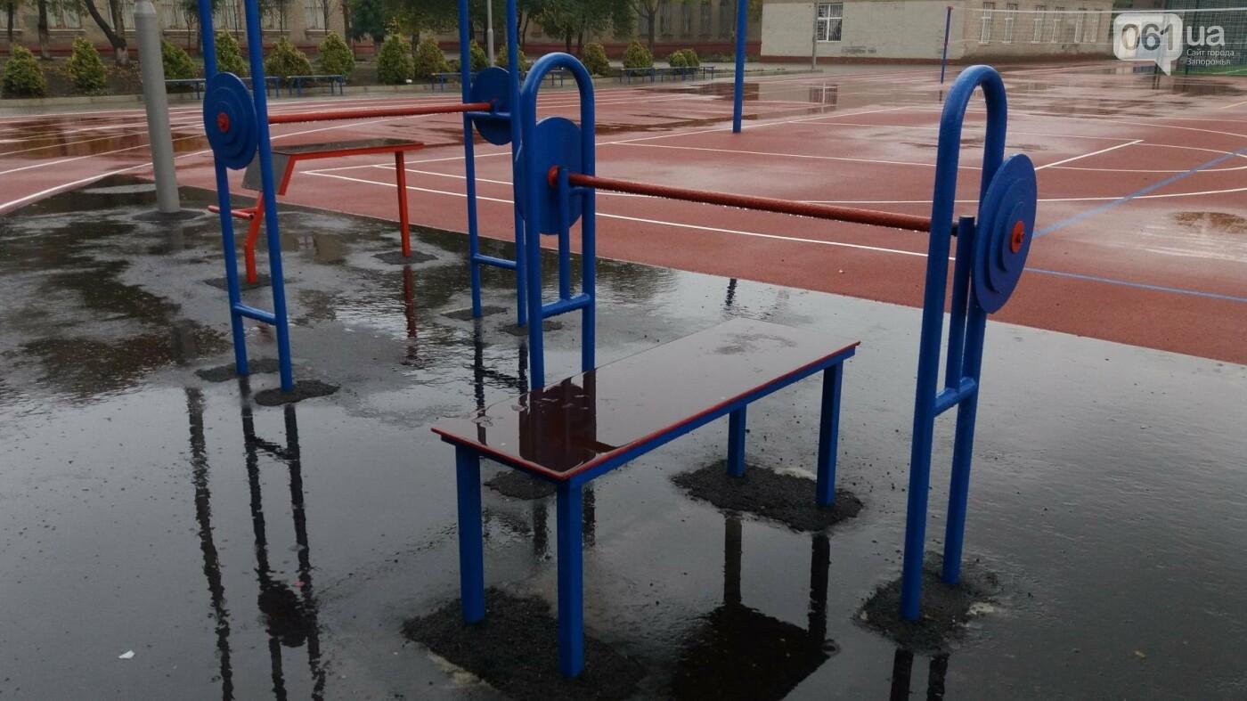 В Запорожье за 7 миллионов гривен отремонтировали школьную спортплощадку: что сделали подрядчики, – ФОТОРЕПОРТАЖ, фото-11