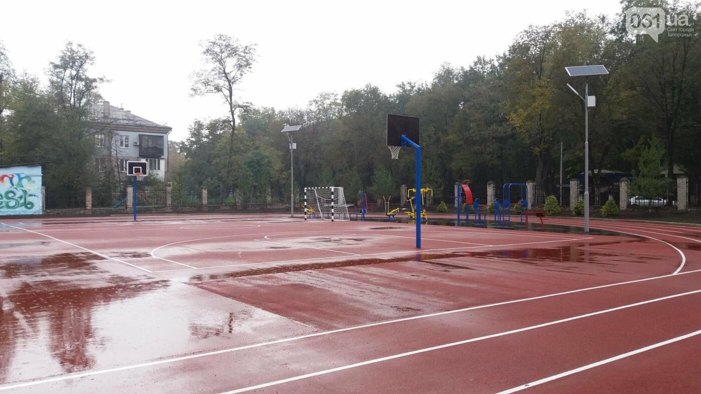 В Запорожье за 7 миллионов гривен отремонтировали школьную спортплощадку: что сделали подрядчики, – ФОТОРЕПОРТАЖ, фото-10