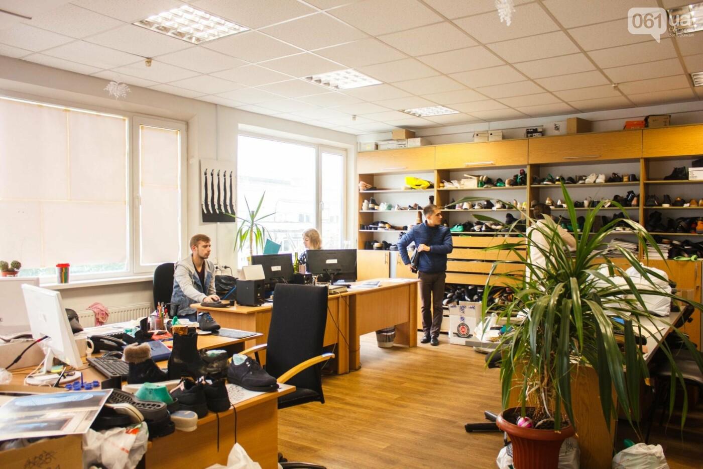 Как создается обувь: экскурсия на запорожскую обувную фабрику, – ФОТОРЕПОРТАЖ, фото-16