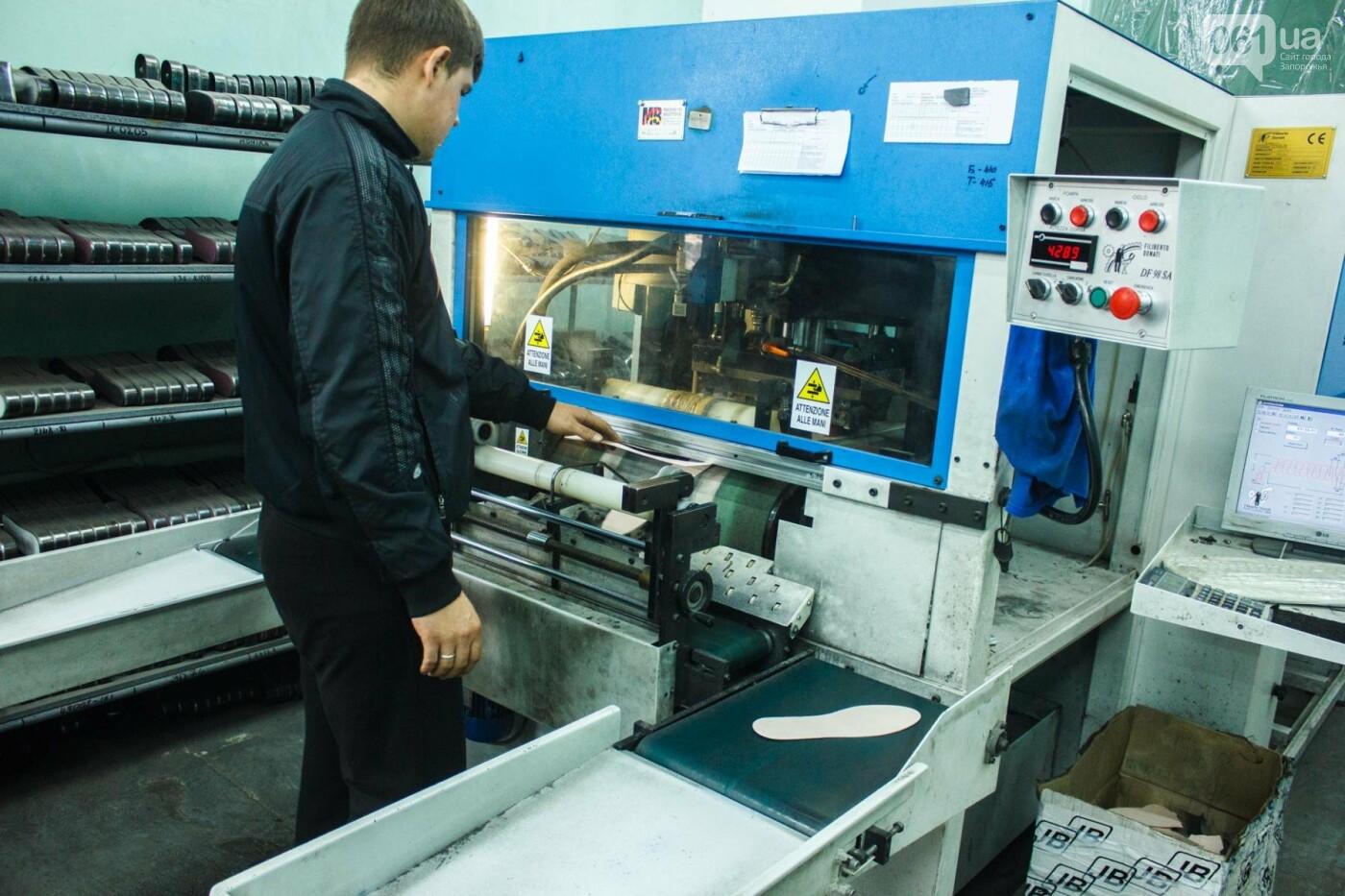 Как создается обувь: экскурсия на запорожскую обувную фабрику, – ФОТОРЕПОРТАЖ, фото-35