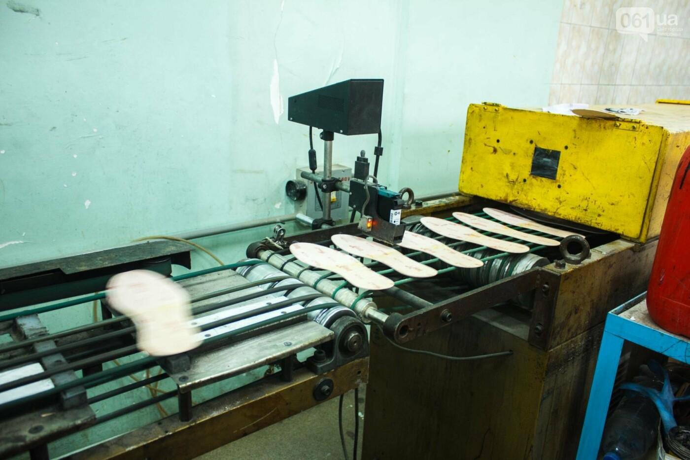 Как создается обувь: экскурсия на запорожскую обувную фабрику, – ФОТОРЕПОРТАЖ, фото-31
