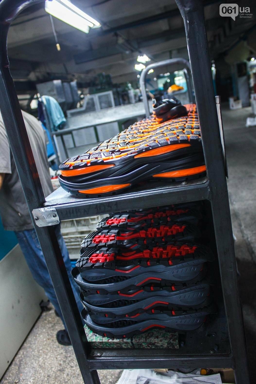 Как создается обувь: экскурсия на запорожскую обувную фабрику, – ФОТОРЕПОРТАЖ, фото-28