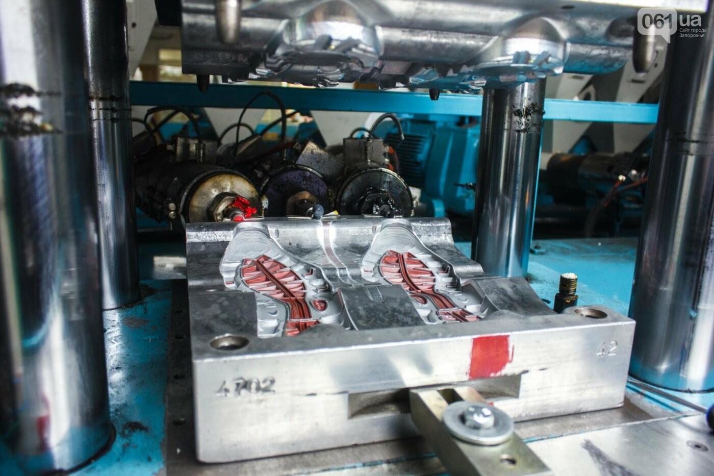 Как создается обувь: экскурсия на запорожскую обувную фабрику, – ФОТОРЕПОРТАЖ, фото-23