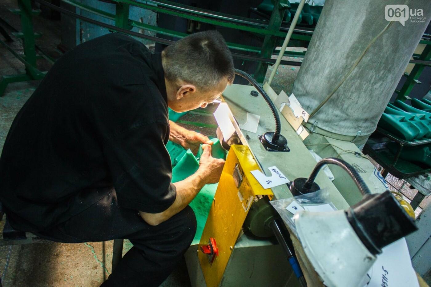 Как создается обувь: экскурсия на запорожскую обувную фабрику, – ФОТОРЕПОРТАЖ, фото-12