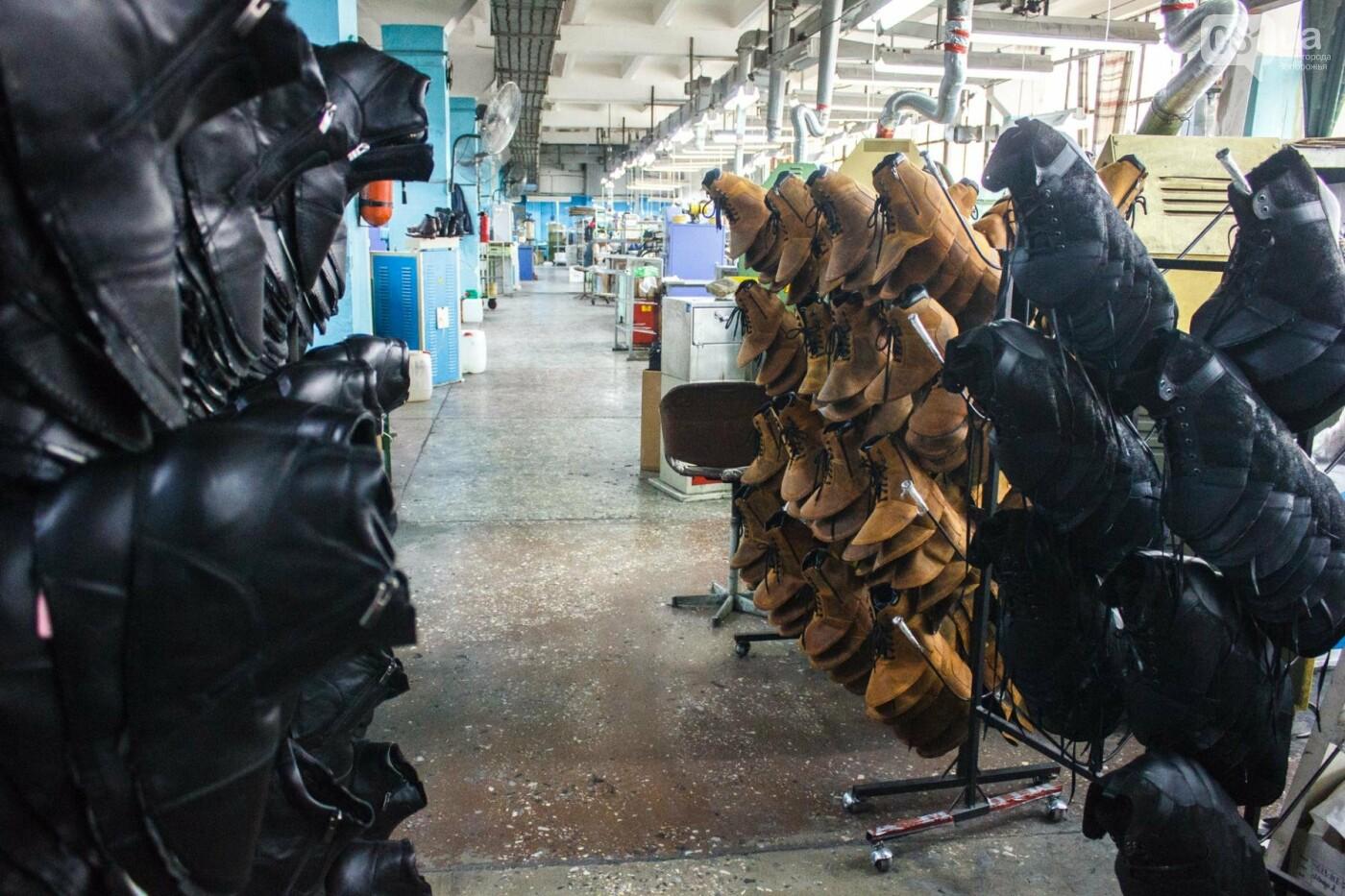 Как создается обувь: экскурсия на запорожскую обувную фабрику, – ФОТОРЕПОРТАЖ, фото-51
