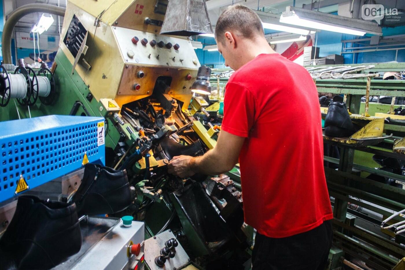 Как создается обувь: экскурсия на запорожскую обувную фабрику, – ФОТОРЕПОРТАЖ, фото-55
