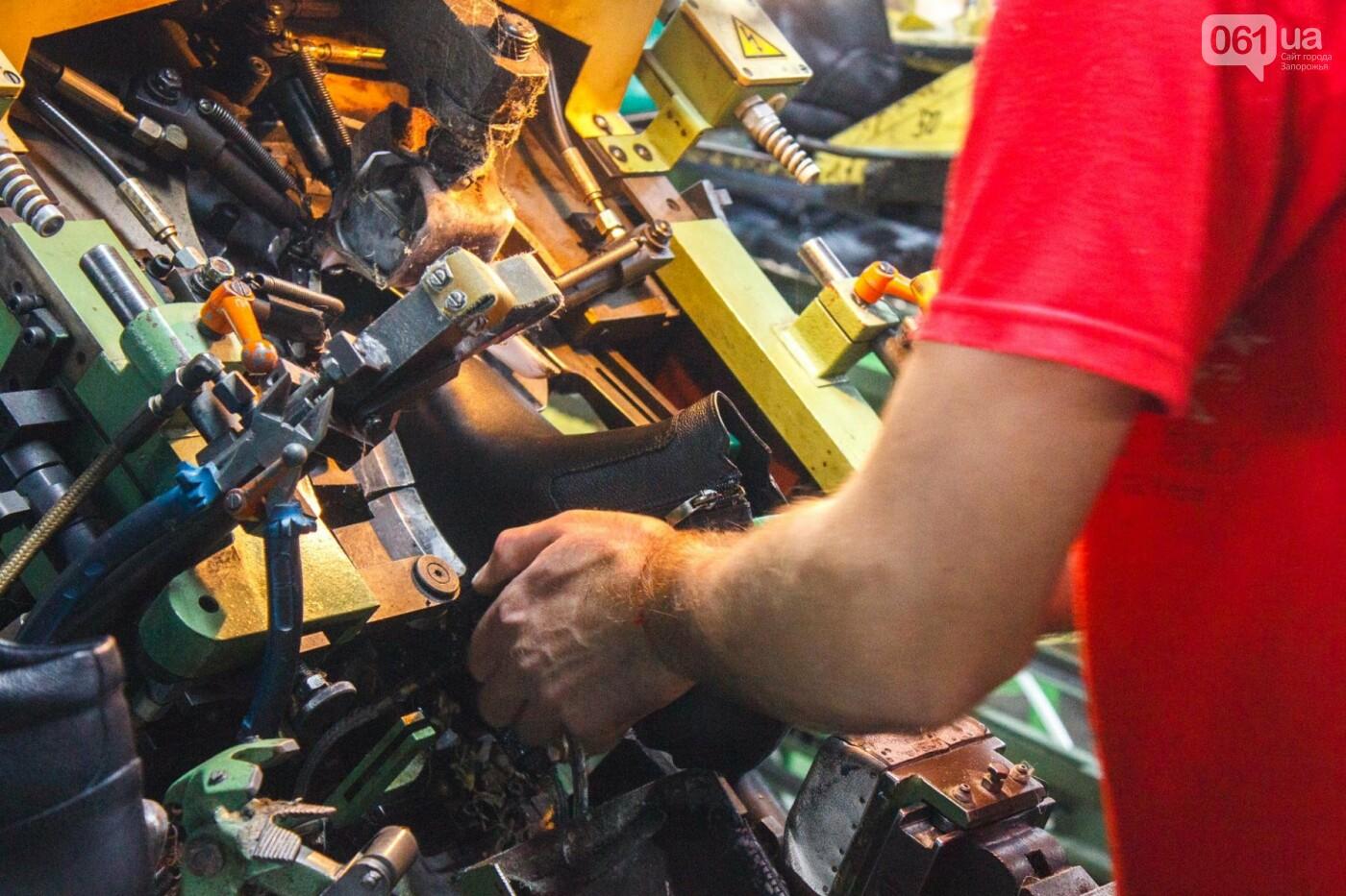 Как создается обувь: экскурсия на запорожскую обувную фабрику, – ФОТОРЕПОРТАЖ, фото-54
