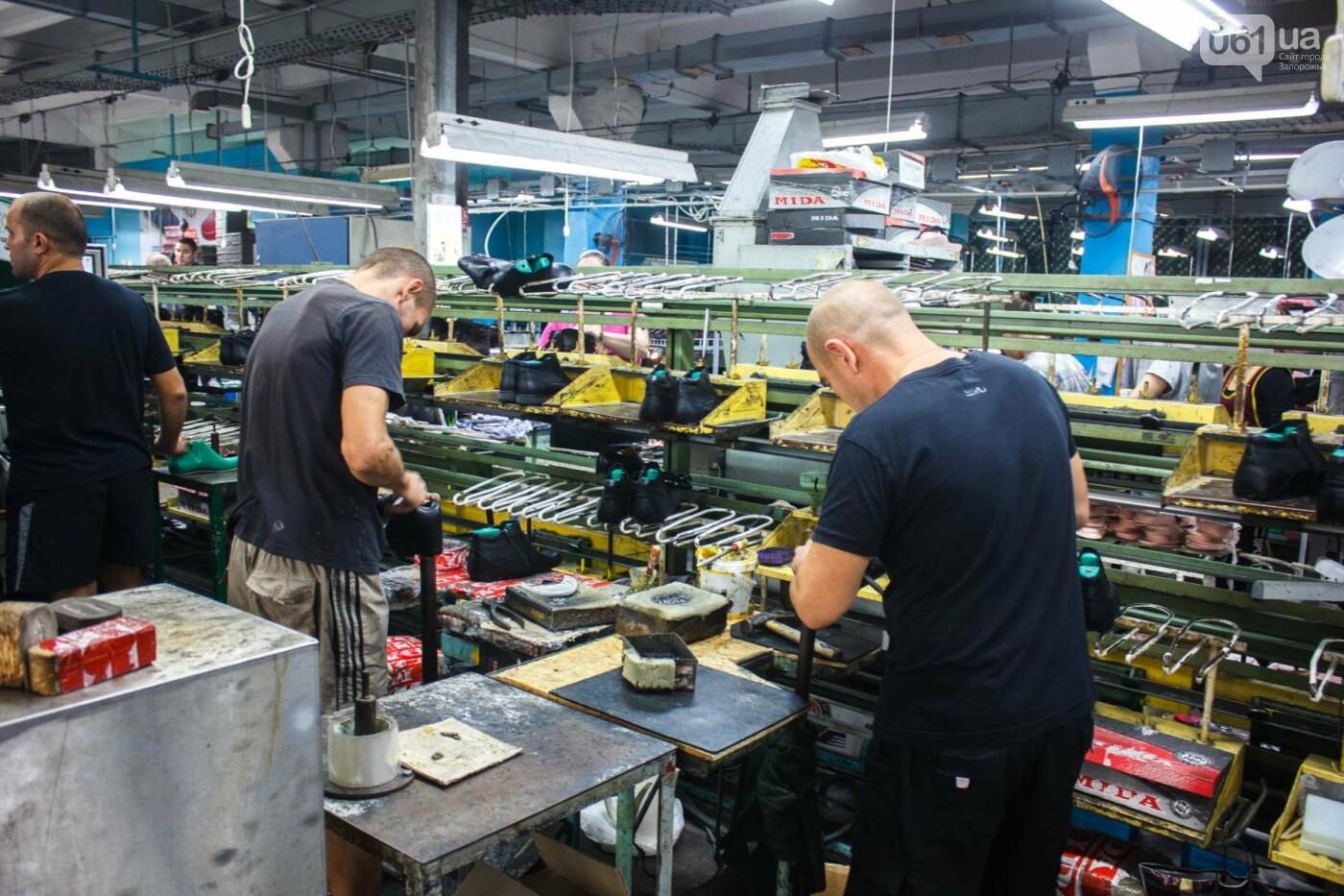 Как создается обувь: экскурсия на запорожскую обувную фабрику, – ФОТОРЕПОРТАЖ, фото-57