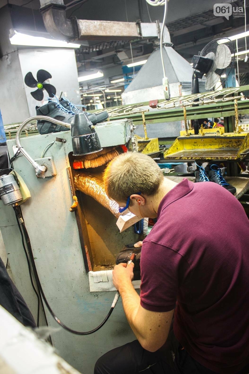Как создается обувь: экскурсия на запорожскую обувную фабрику, – ФОТОРЕПОРТАЖ, фото-60