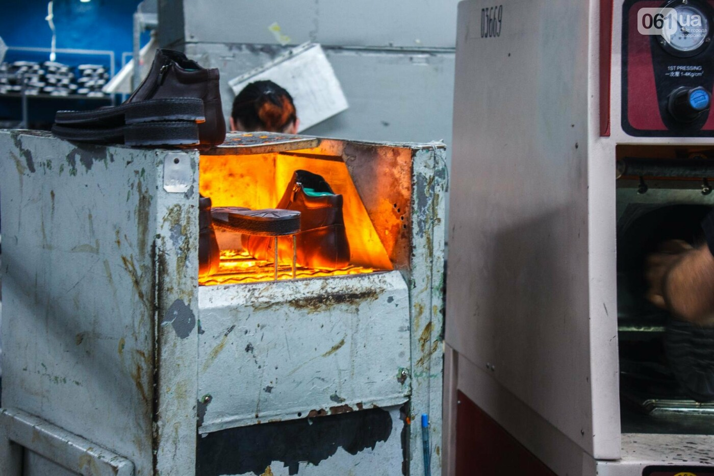 Как создается обувь: экскурсия на запорожскую обувную фабрику, – ФОТОРЕПОРТАЖ, фото-62