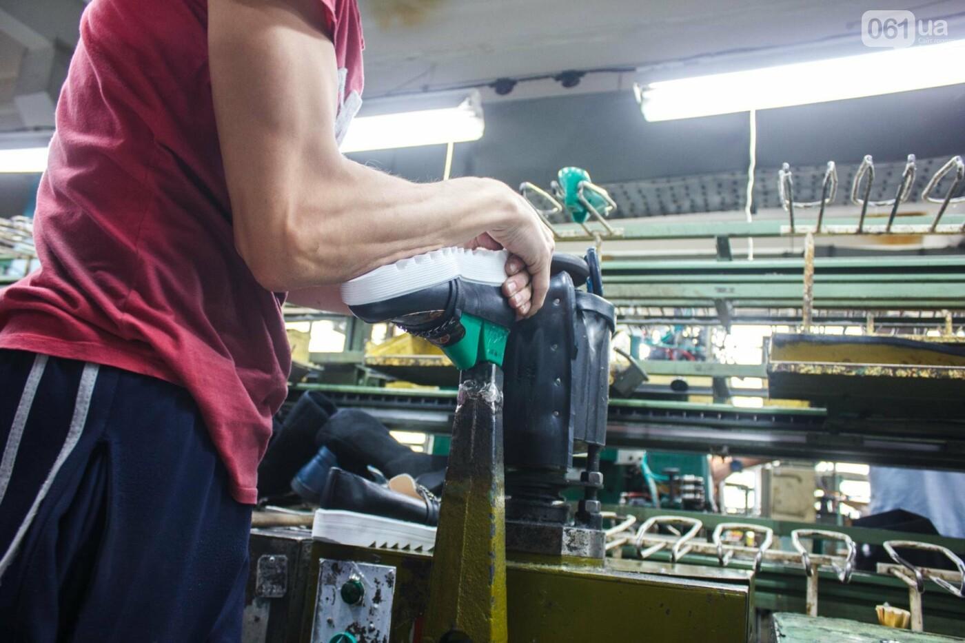 Как создается обувь: экскурсия на запорожскую обувную фабрику, – ФОТОРЕПОРТАЖ, фото-64