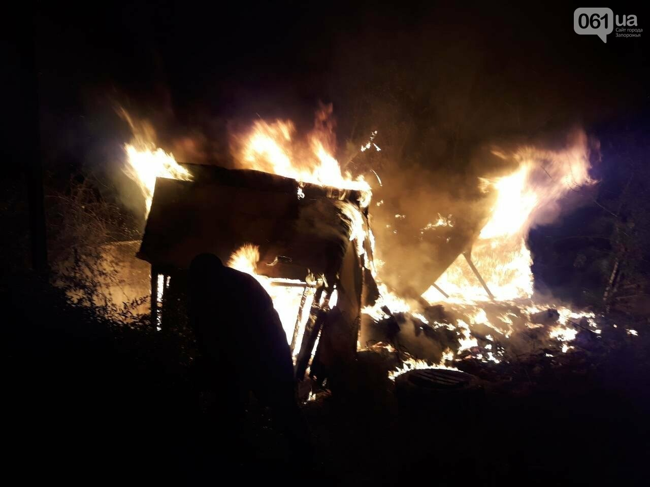 В Запорожской области тушили пожар во дворе частного дома, - ФОТО, фото-1