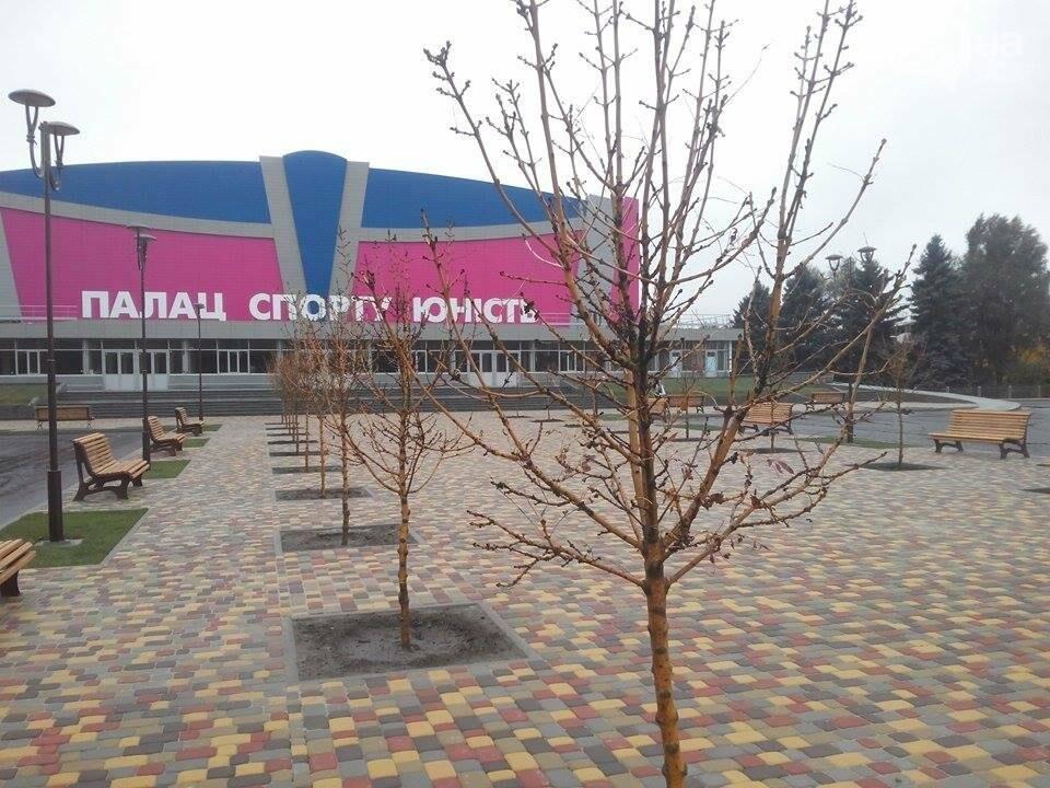 """Возле ДС """"Юность"""" установили 15 новых лавочек, - ФОТОФАКТ, фото-4"""