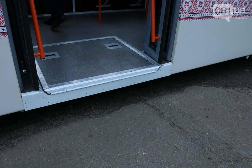 В Запорожье вышел на рельсы второй трамвай, собранный в Запорожье, - ФОТО, ВИДЕО, фото-4