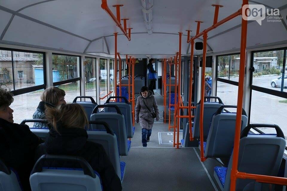 В Запорожье вышел на рельсы второй трамвай, собранный в Запорожье, - ФОТО, ВИДЕО, фото-6
