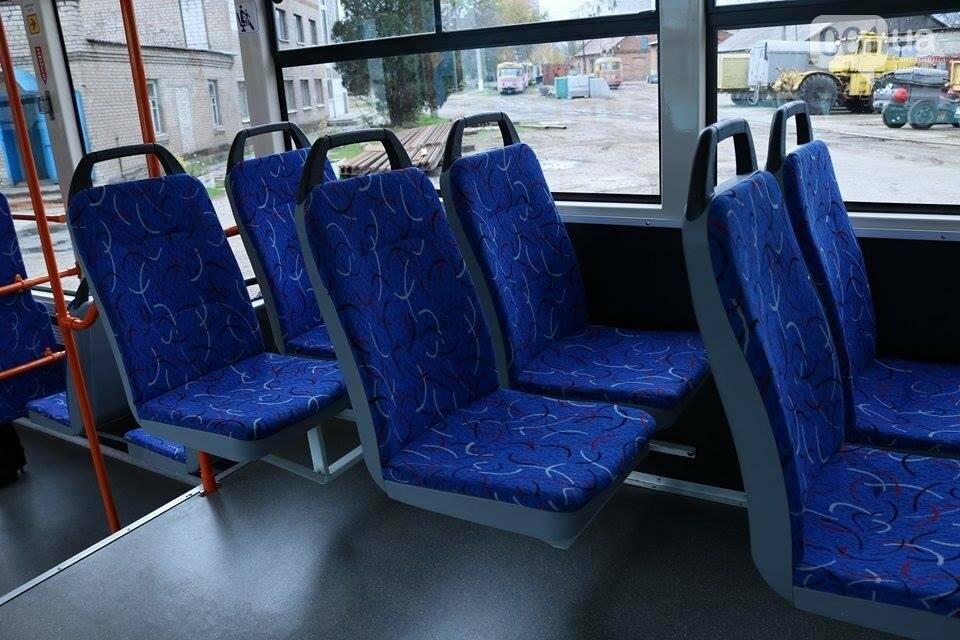 В Запорожье вышел на рельсы второй трамвай, собранный в Запорожье, - ФОТО, ВИДЕО, фото-13