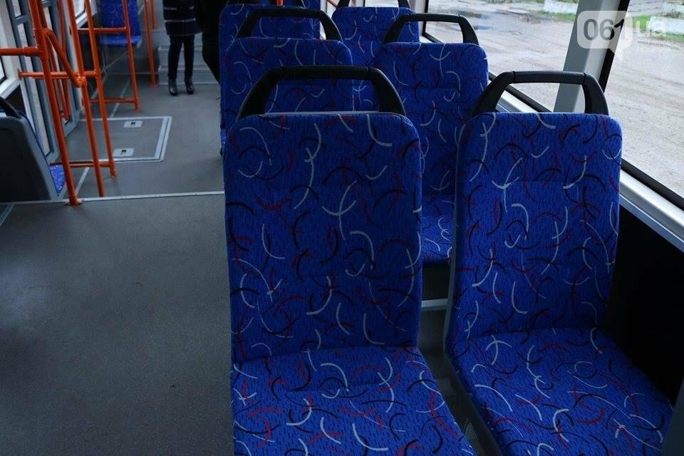 В Запорожье вышел на рельсы второй трамвай, собранный в Запорожье, - ФОТО, ВИДЕО, фото-7