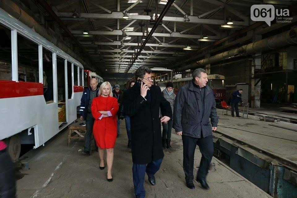 В Запорожье вышел на рельсы второй трамвай, собранный в Запорожье, - ФОТО, ВИДЕО, фото-8