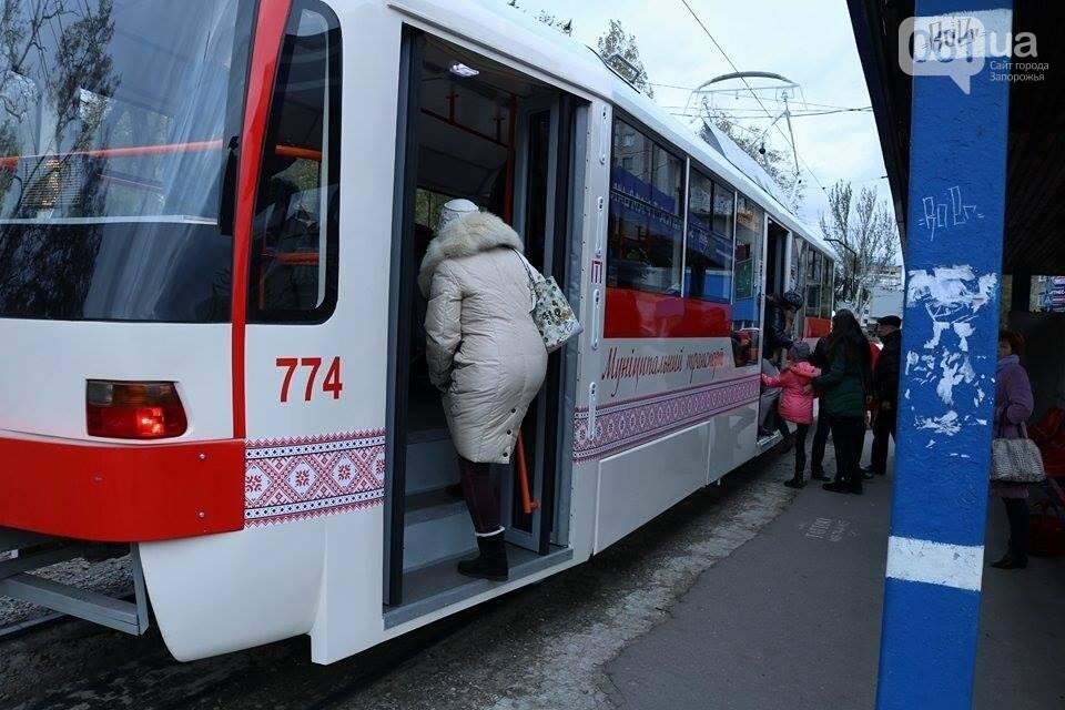 В Запорожье вышел на рельсы второй трамвай, собранный в Запорожье, - ФОТО, ВИДЕО, фото-11