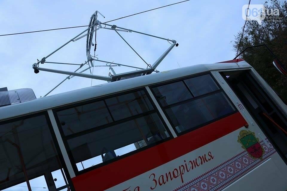 В Запорожье вышел на рельсы второй трамвай, собранный в Запорожье, - ФОТО, ВИДЕО, фото-2