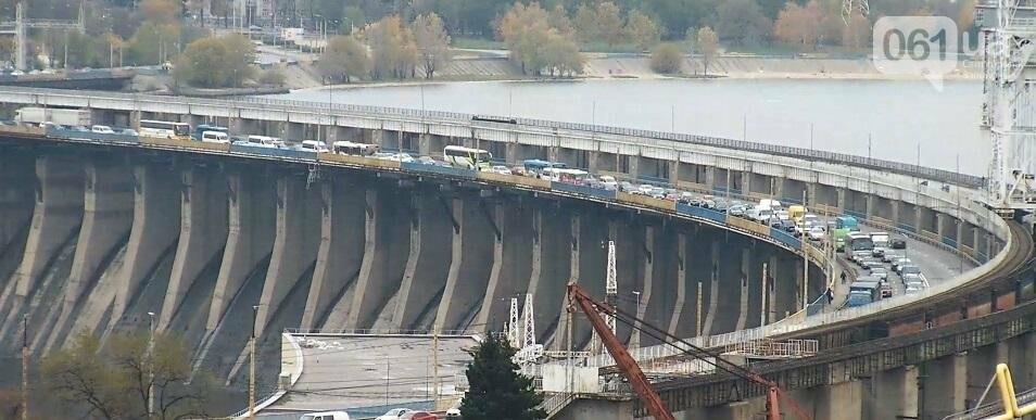 На плотине большая пробка из-за запорожсталевского марафона, - ФОТО, ВИДЕО, фото-16