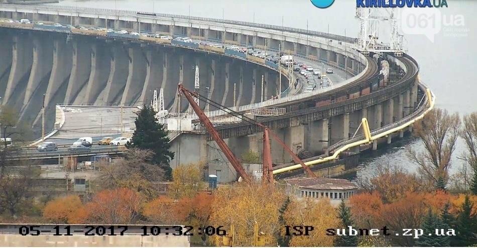 На плотине большая пробка из-за запорожсталевского марафона, - ФОТО, ВИДЕО, фото-4