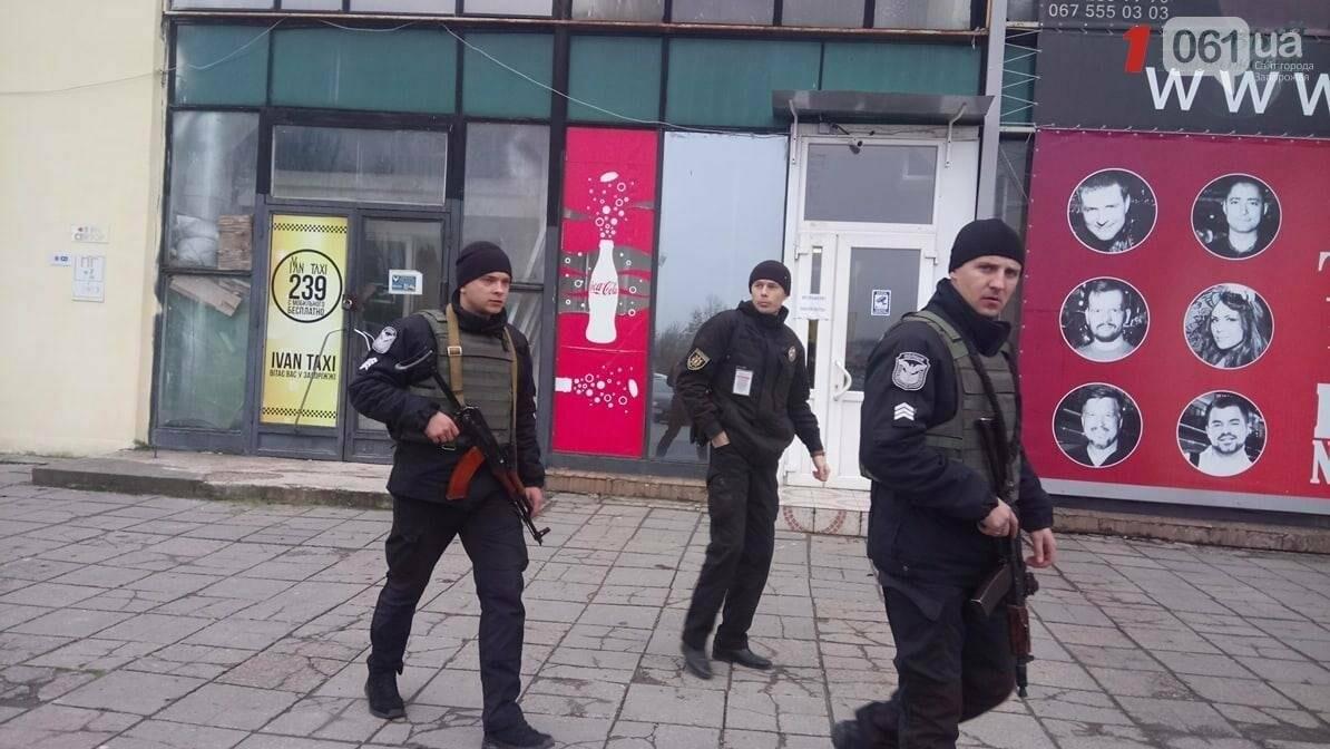 В Запорожье сообщили о минировании аэропорта: пассажиров не выпускают из самолётов, - СМИ (ФОТО), фото-3