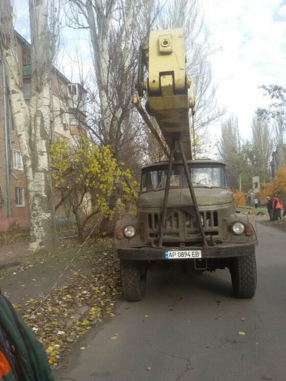 В Запорожье коммунальный ЗИЛ врезался в электроопору, - ФОТО, фото-2
