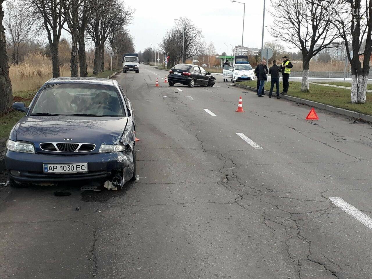 В Запорожье столкнулись два авто: у машин серьезные повреждения - ФОТО, фото-4