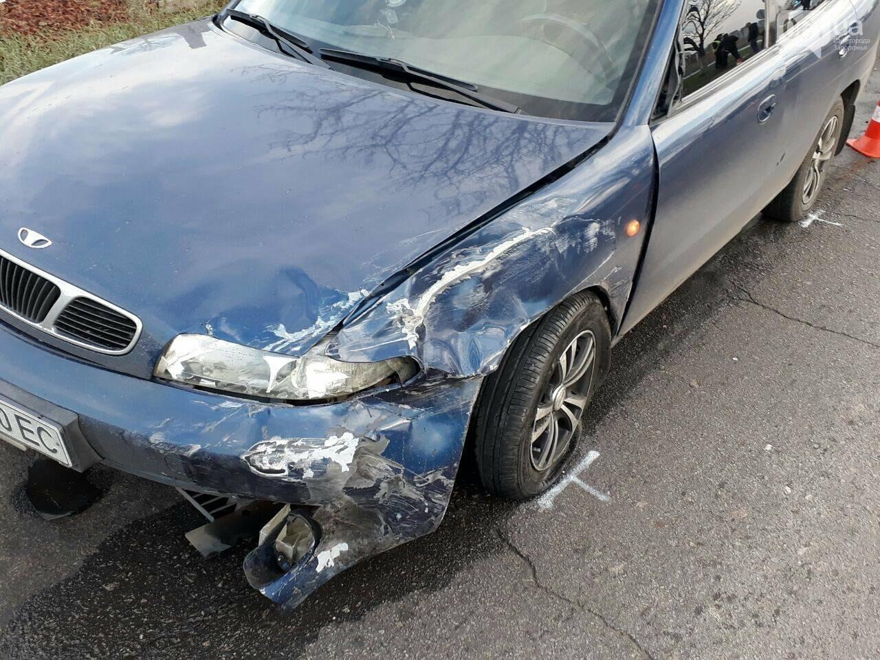 В Запорожье столкнулись два авто: у машин серьезные повреждения - ФОТО, фото-3
