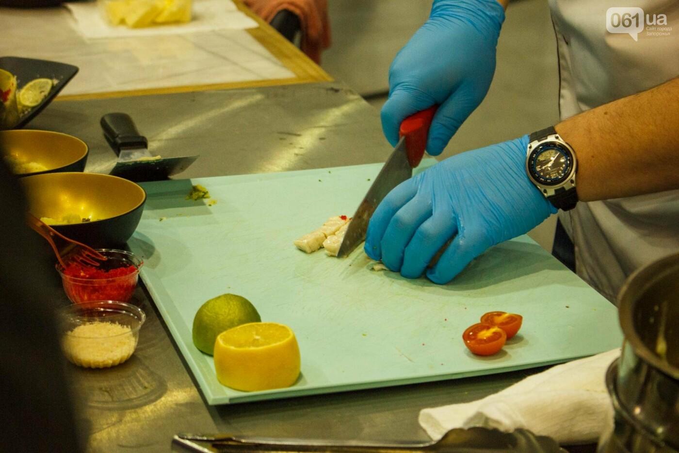 Шеф-повара запорожских ресторанов провели мастер-класс для горожан: как это было, - ФОТОРЕПОРТАЖ, фото-32