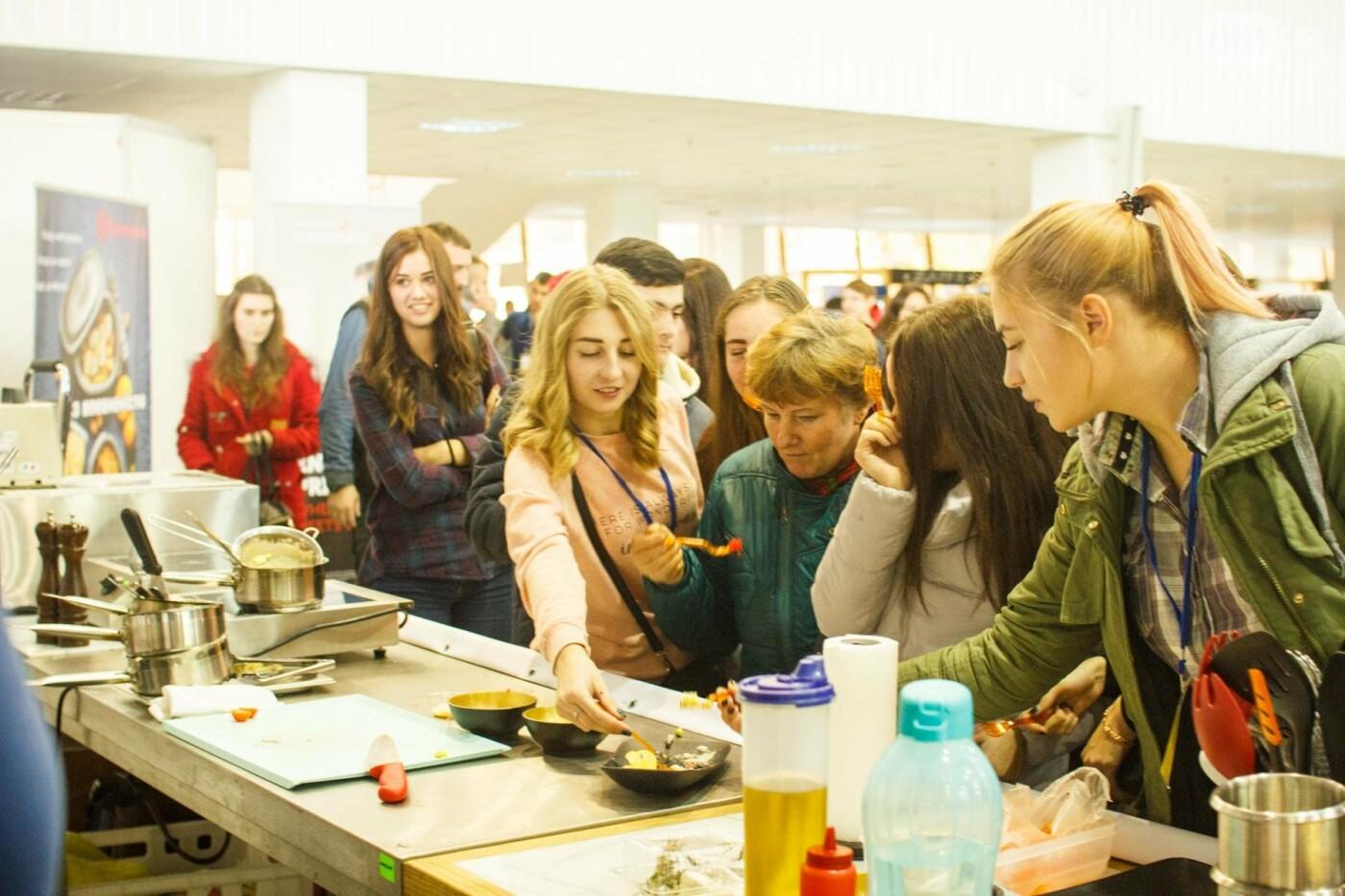 Шеф-повара запорожских ресторанов провели мастер-класс для горожан: как это было, - ФОТОРЕПОРТАЖ, фото-36