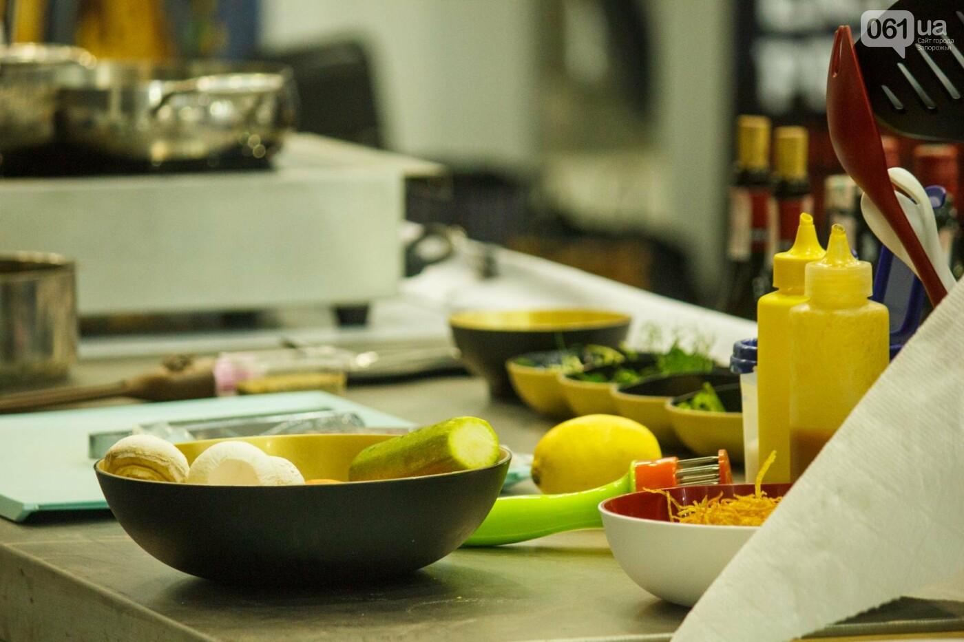 Шеф-повара запорожских ресторанов провели мастер-класс для горожан: как это было, - ФОТОРЕПОРТАЖ, фото-29