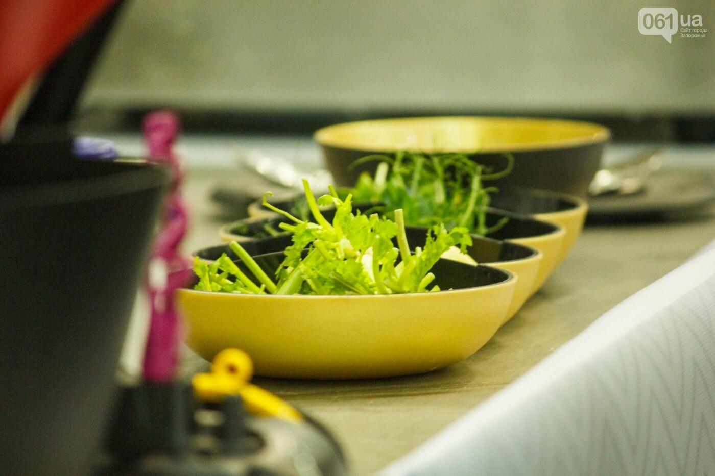 Шеф-повара запорожских ресторанов провели мастер-класс для горожан: как это было, - ФОТОРЕПОРТАЖ, фото-50