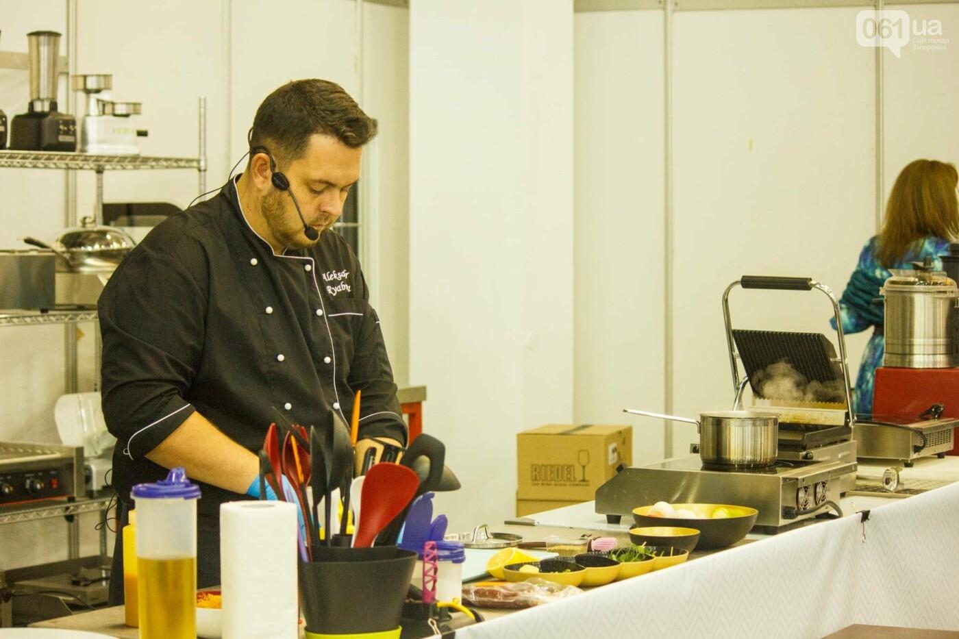 Шеф-повара запорожских ресторанов провели мастер-класс для горожан: как это было, - ФОТОРЕПОРТАЖ, фото-35